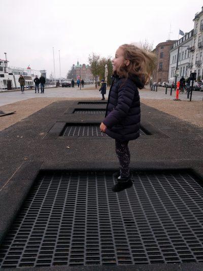 camas elásticas en la calle Copenhague